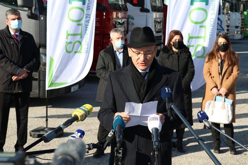 humanitarna pomoč Petrinja SLOLES Slovensko lesno združenje Boris Grigić veleposlanik republike Hrvaške v Sloveniji