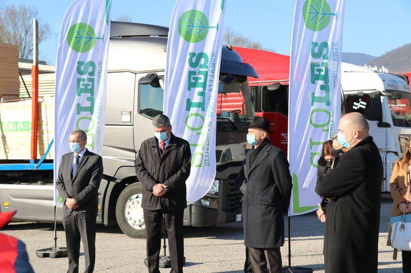 humanitarna pomoč Petrinja SLOLES Slovensko lesno združenje Boris Grigić veleposlanik Jože Podgoršek minister