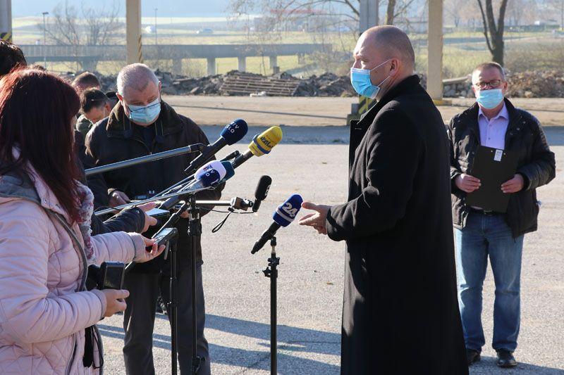 humanitarna pomoč Petrinja SLOLES Slovensko lesno združenje Jože Podgoršek minister