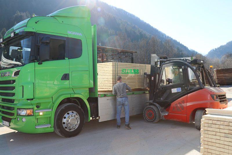 humanitarna pomoč Petrinja SLOLES Slovensko lesno združenje